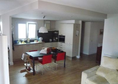 Unió de dos pisos per a convertir-los en un sol habitatge